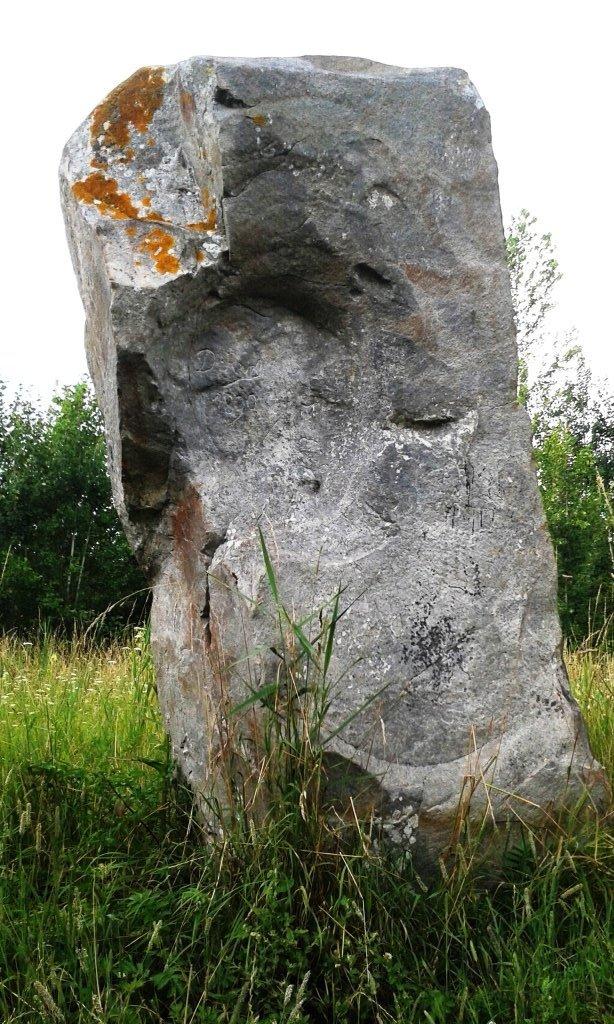 Menhir _Oisy-le-verger
